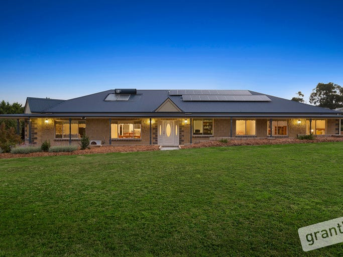 10 Follett Drive, Nyora, Vic 3987