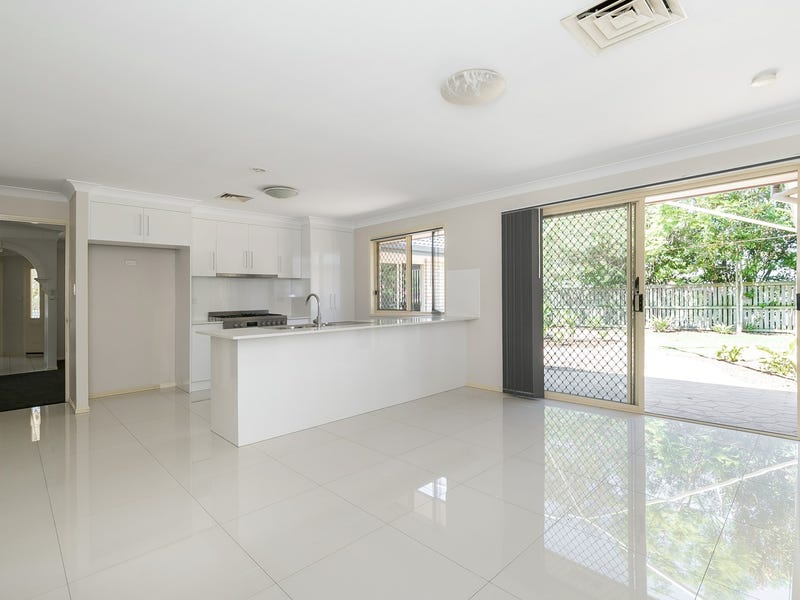 2 Dampier Crescent, Forest Lake, Qld 4078
