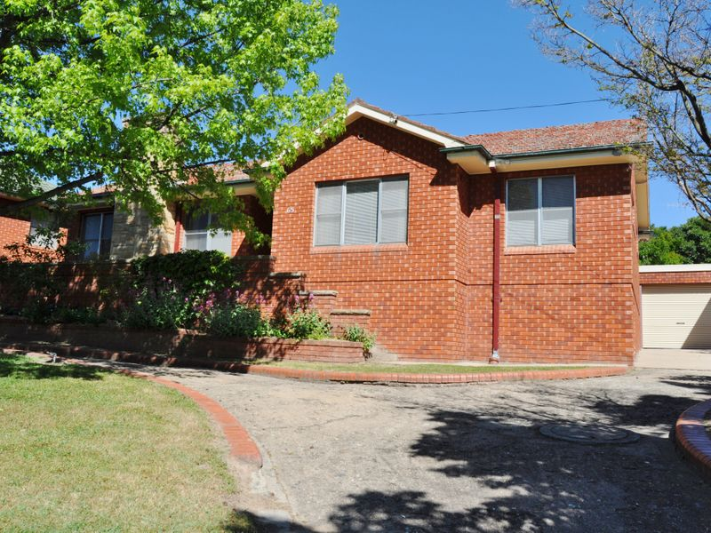 65 Esrom Steet, West Bathurst, NSW 2795