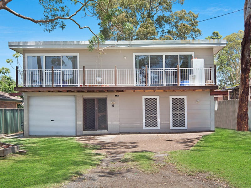 9 Barclay Avenue, Mannering Park, NSW 2259