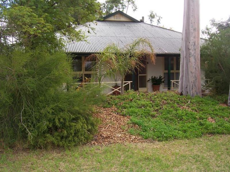 32 FIRST STREET, Wilmington, SA 5485
