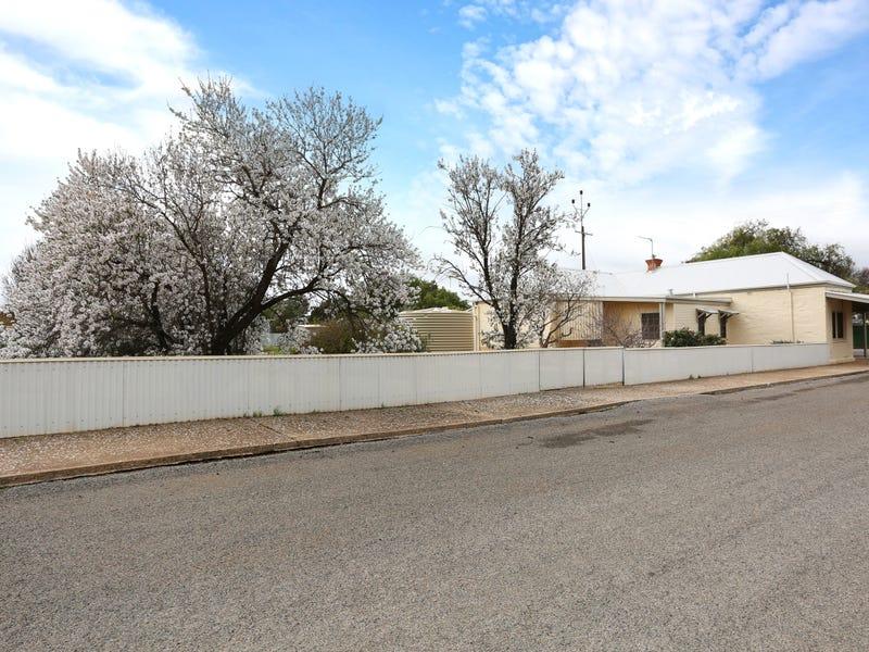 15 Hawker Street, Yacka, SA 5470