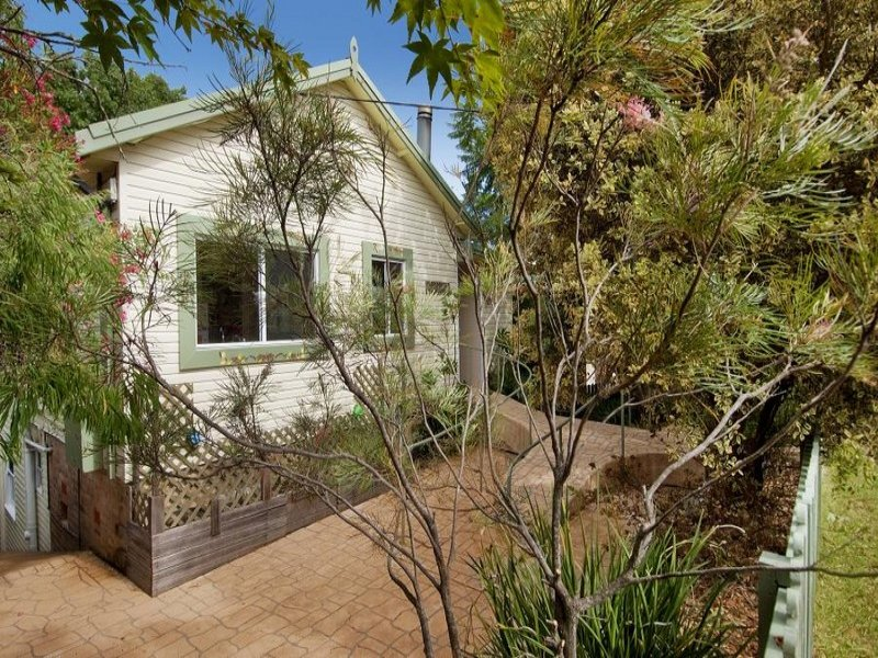 61 Warabin Street, Waterfall, NSW 2233