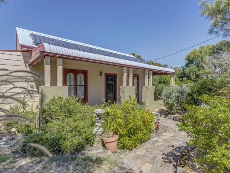 18 St Georges Crescent, Faulconbridge, NSW 2776