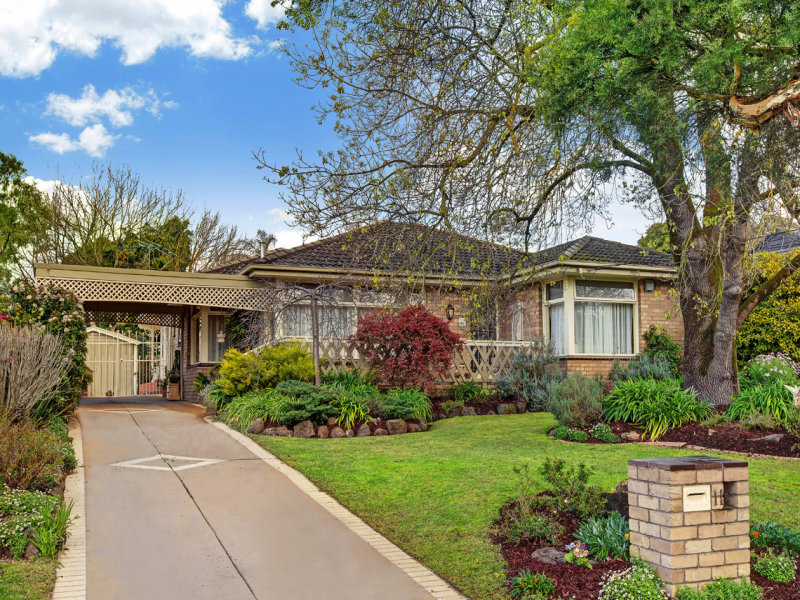 11 Winchester Drive, Bayswater North, Vic 3153