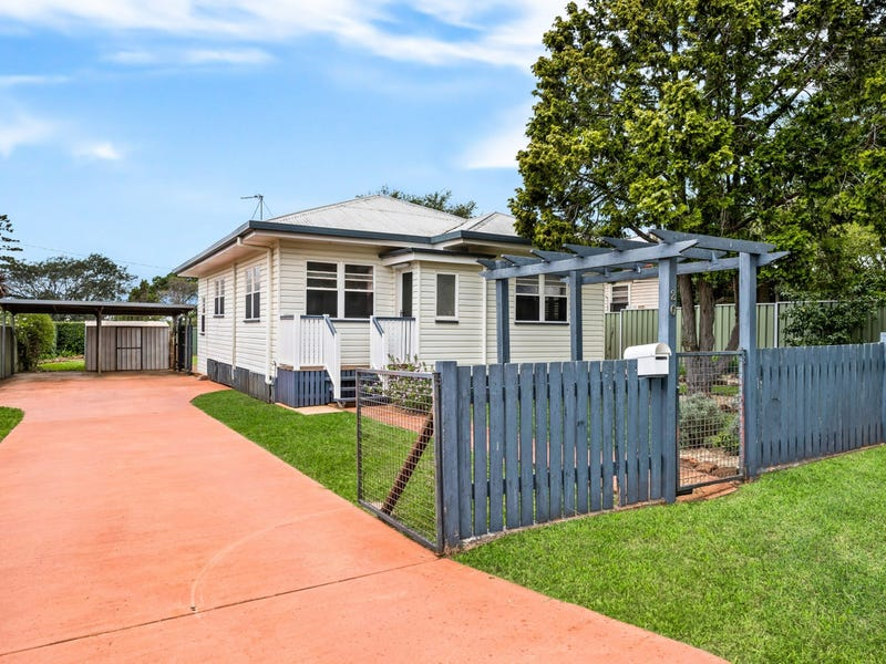 20 Fourth Avenue, Harristown, Qld 4350
