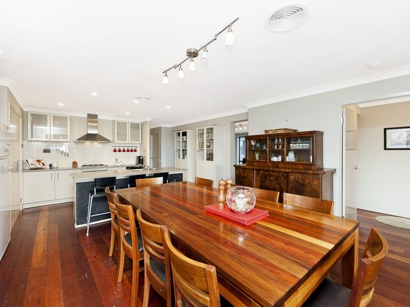 65 Flora Place, Royalla, NSW 2620