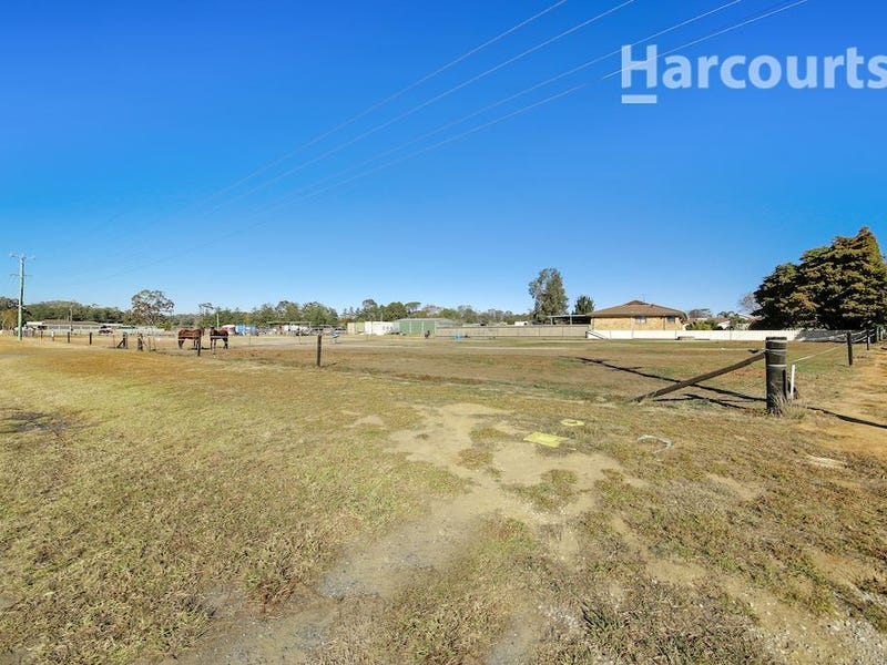 232 Racecourse Avenue, Menangle Park, NSW 2563