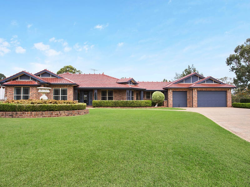 4 William Dowle Place, Grasmere, NSW 2570
