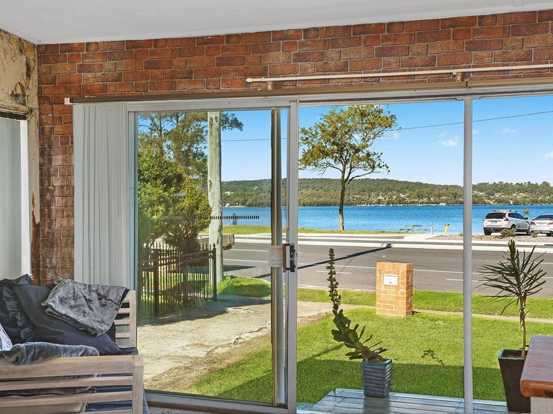 398 The Esplanade, Warners Bay, NSW 2282