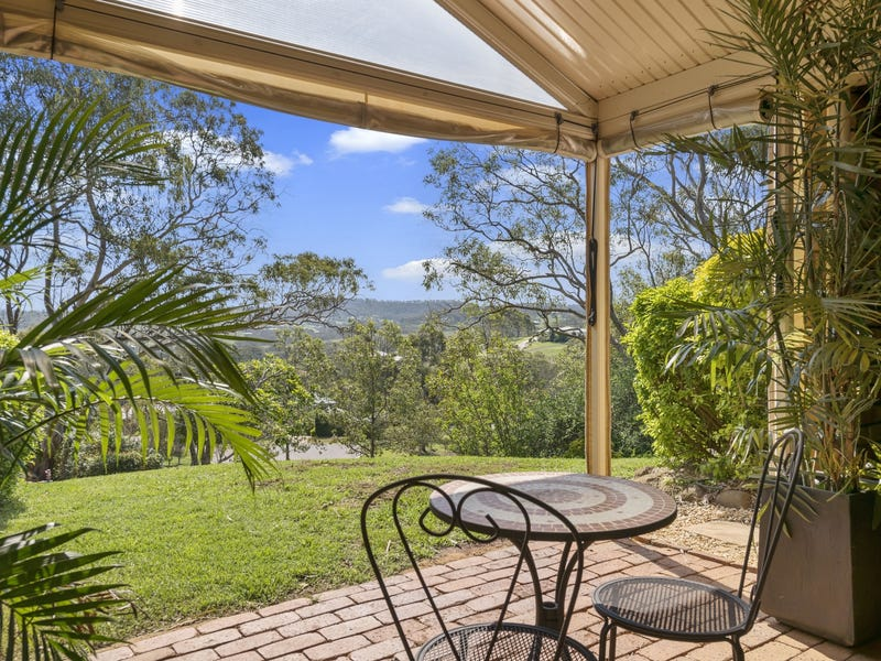 4 Echidna Crescent, Top Camp, Qld 4350
