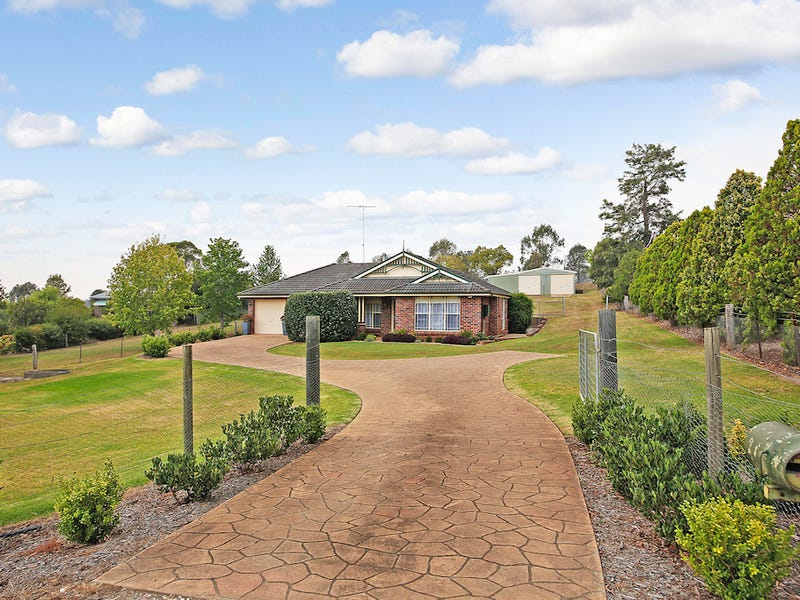 24 Remembrance Drive, Tahmoor, NSW 2573