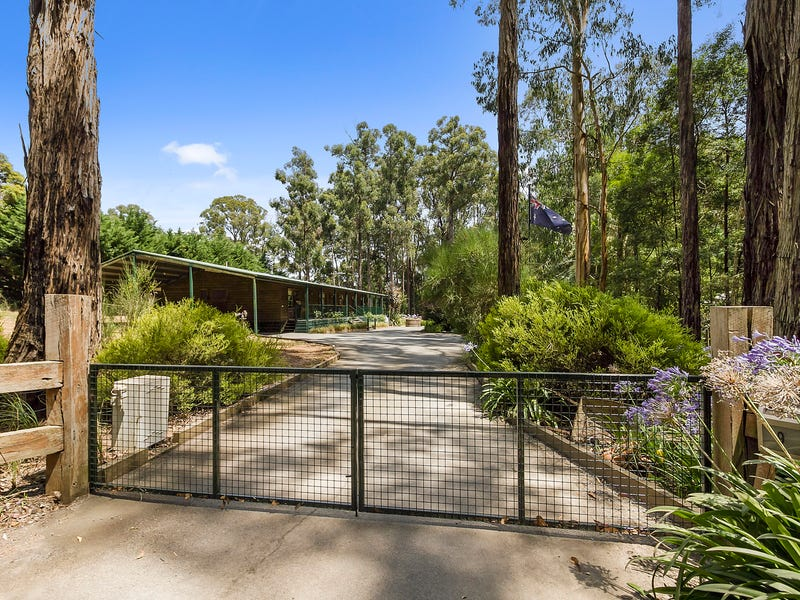 9 Stone Road South, Gembrook, Vic 3783