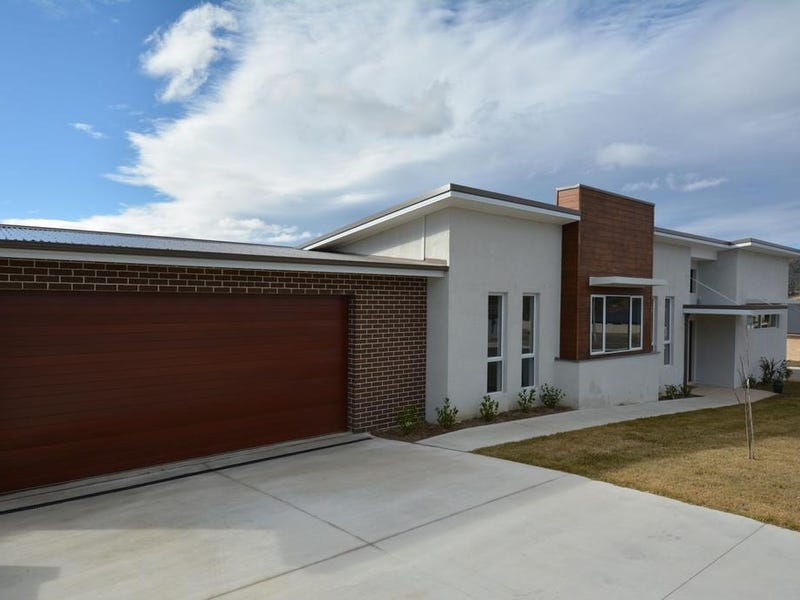 25 SURVEYORS WAY, South Bowenfels, NSW 2790