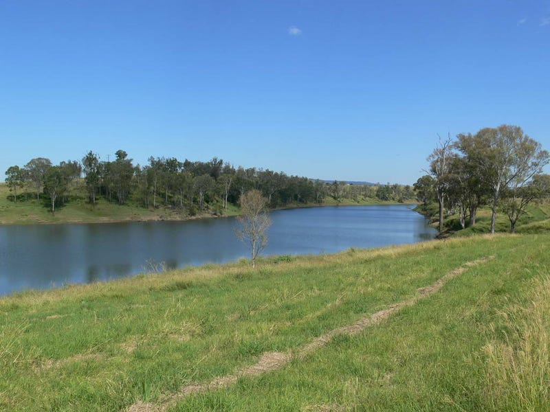 222 Cooeeimbardi Road, Somerset Dam, Qld 4312