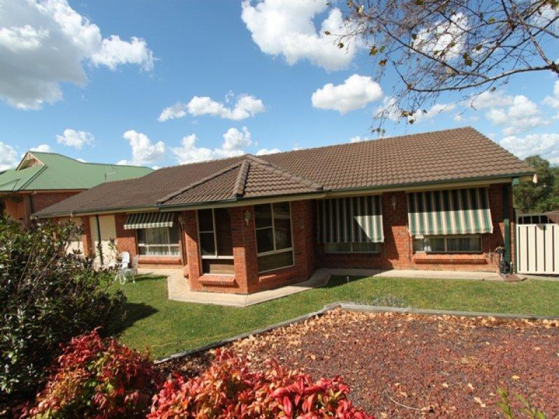 5 Beavis Place, Llanarth, NSW 2795