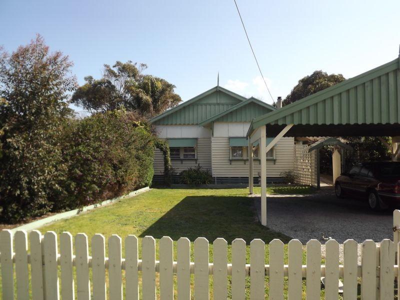 15 MOONAH STREET, Cape Paterson, Vic 3995
