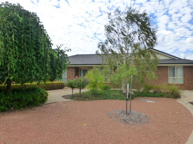 2 Oban Crt, Moama, NSW 2731