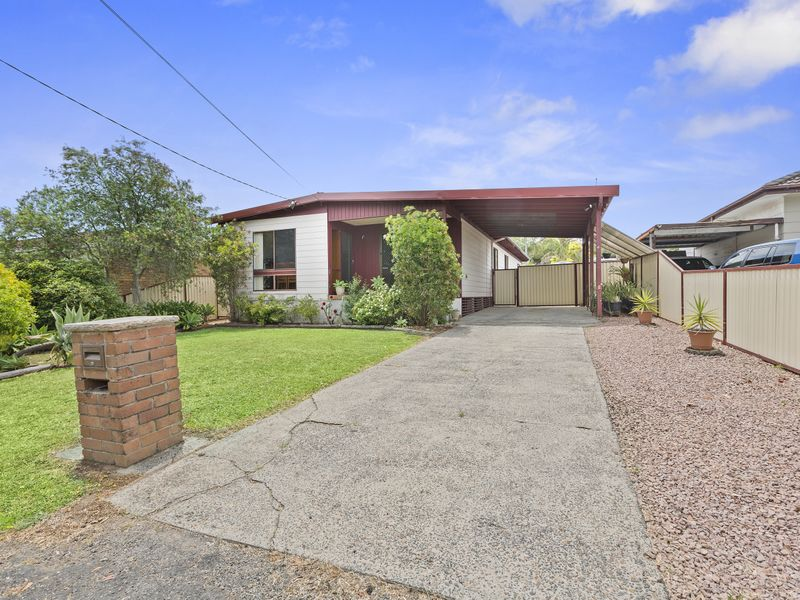 Address available on request, Kanwal, NSW 2259