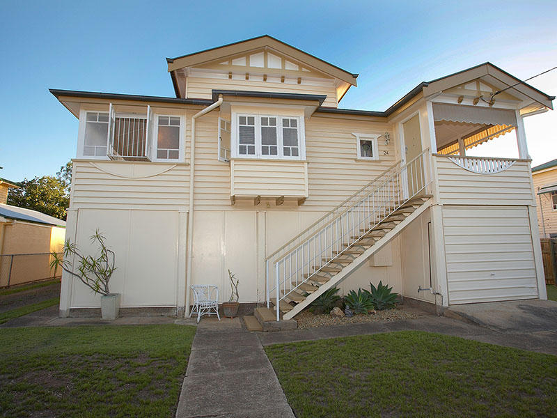 24 Katoomba Avenue, Hawthorne, Qld 4171