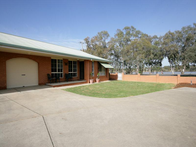 2/2 Honeysuckle Place, Lake Albert, NSW 2650