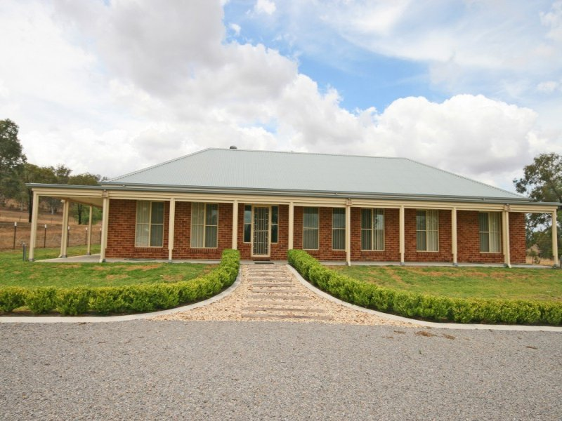 13668 New England Highway, Timbumburi, Tamworth, NSW 2340