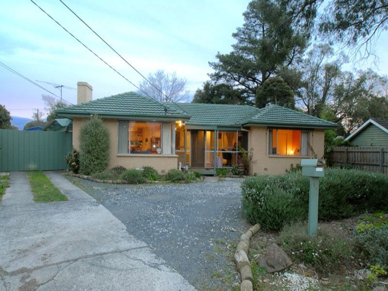 14 Lomond Ave, Kilsyth, Vic 3137