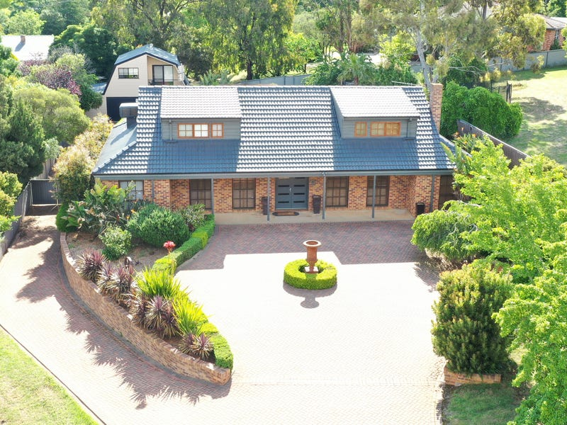 9 Renmark Avenue, Young, NSW 2594