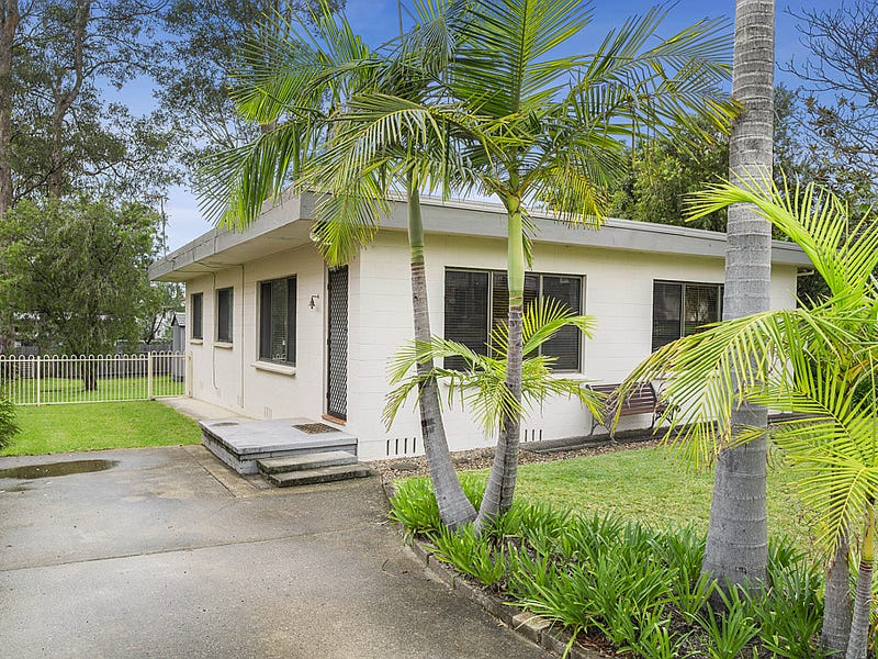 78 Pacific Road, Surf Beach, NSW 2536