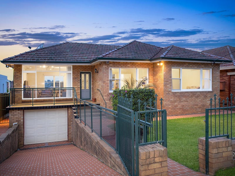 57 Cooloongatta Road, Beverly Hills, NSW 2209