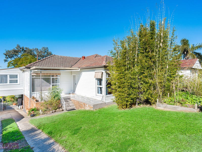 2 Thorne Avenue, Pendle Hill, NSW 2145