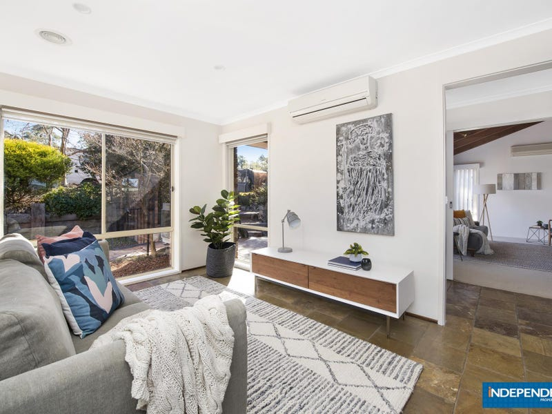 10 Desailly Crescent, Kambah, ACT 2902