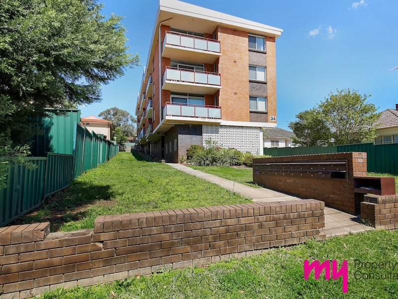 11/34 Moore Street, Campbelltown, NSW 2560
