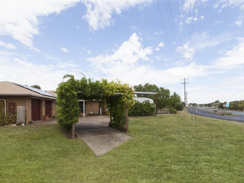 2087 Glenelg Highway, Lake Bolac, Vic 3351