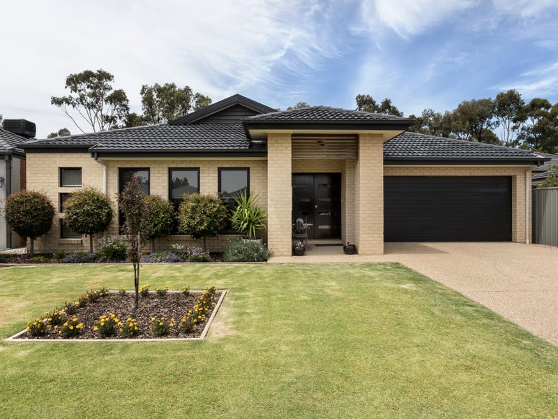 22 Brookwater Crescent, Tatura, Vic 3616