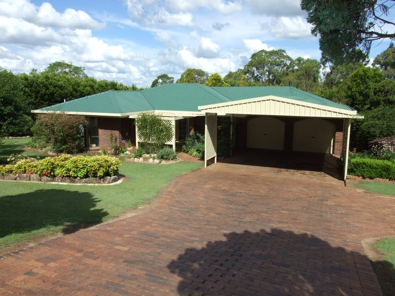 15 Railway Terrace, Crows Nest, Qld 4355