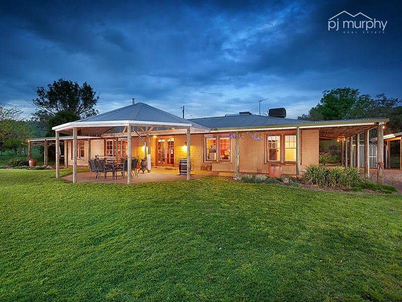 851 Lake Road, Bethanga, Vic 3691