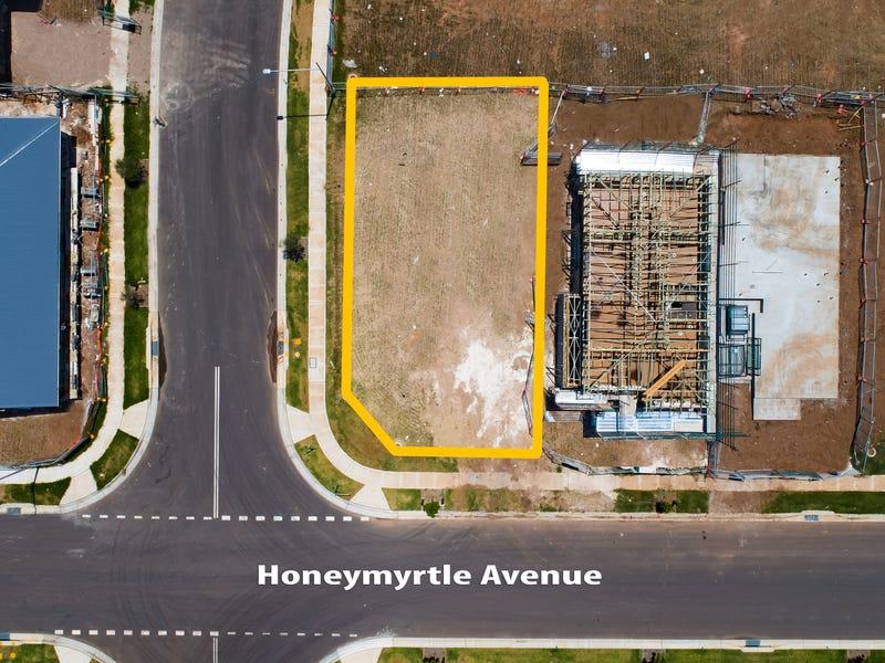 32 Honeymyrtle Avenue, Denham Court, NSW 2565