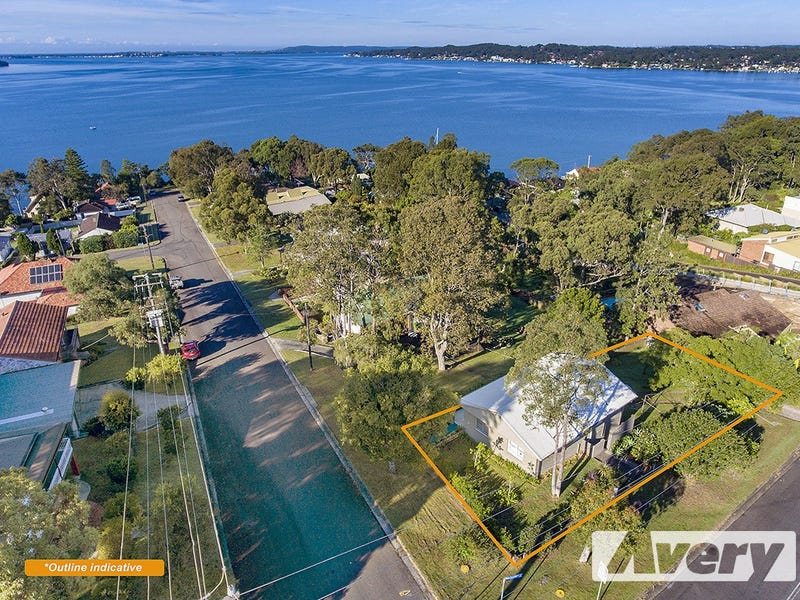 1 Bolton Point Road, Bolton Point, NSW 2283