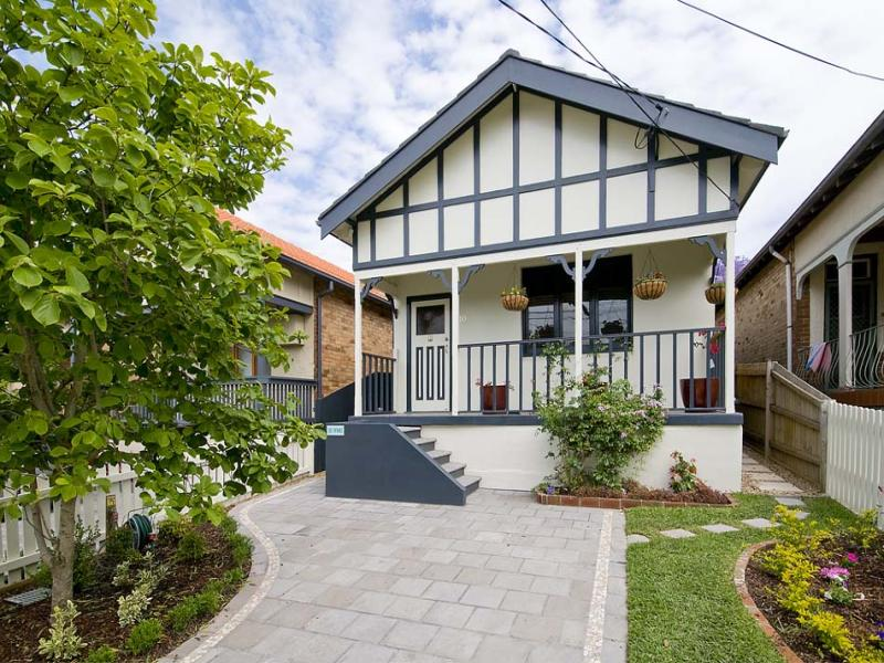 10  Penshurst Street (Quiet Cul-de-sac end, enter via Penkivil Street), Willoughby, NSW 2068