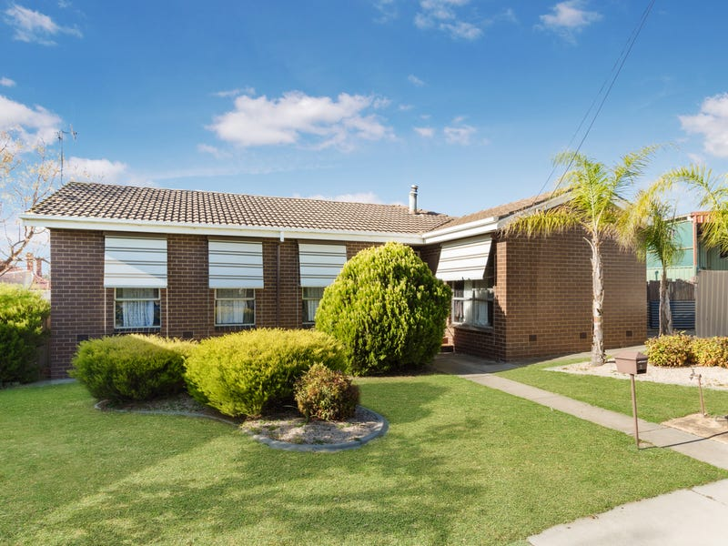 11 Oliver Court, Long Gully, Vic 3550