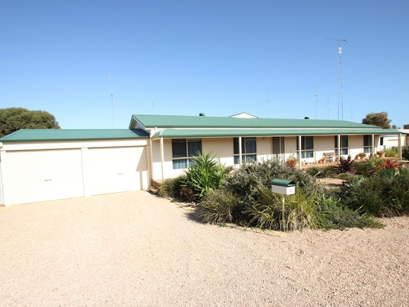 12 Lyndon Avenue, Moonta Bay, SA 5558