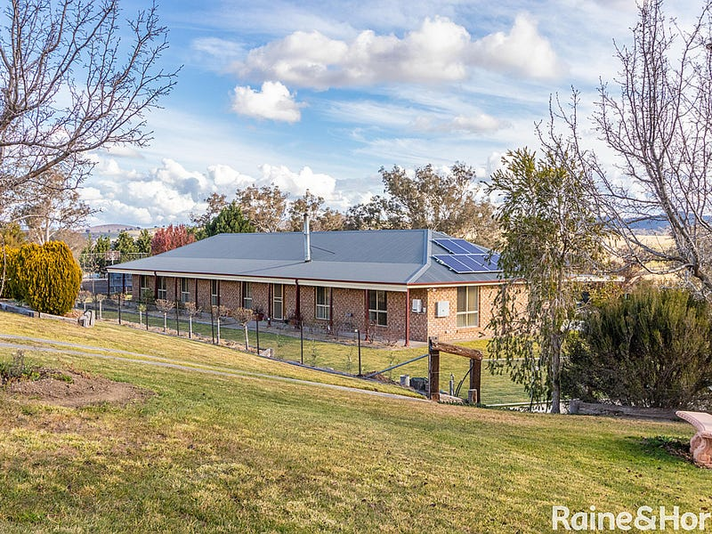 90 Samuel Way, The Lagoon, NSW 2795