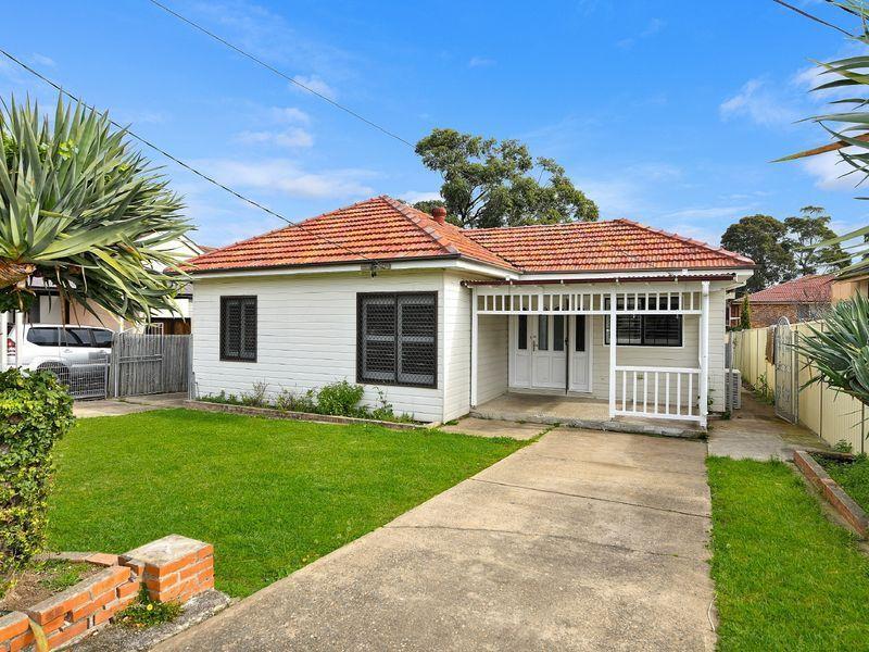 32 Pandora Street, Greenacre, NSW 2190