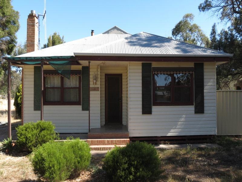 15 Chapel Street, Serpentine, Vic 3517
