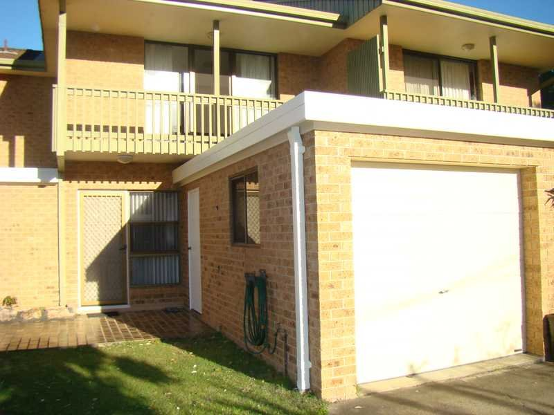 Unit 2,2 Hope Close, Dunbogan, NSW 2443