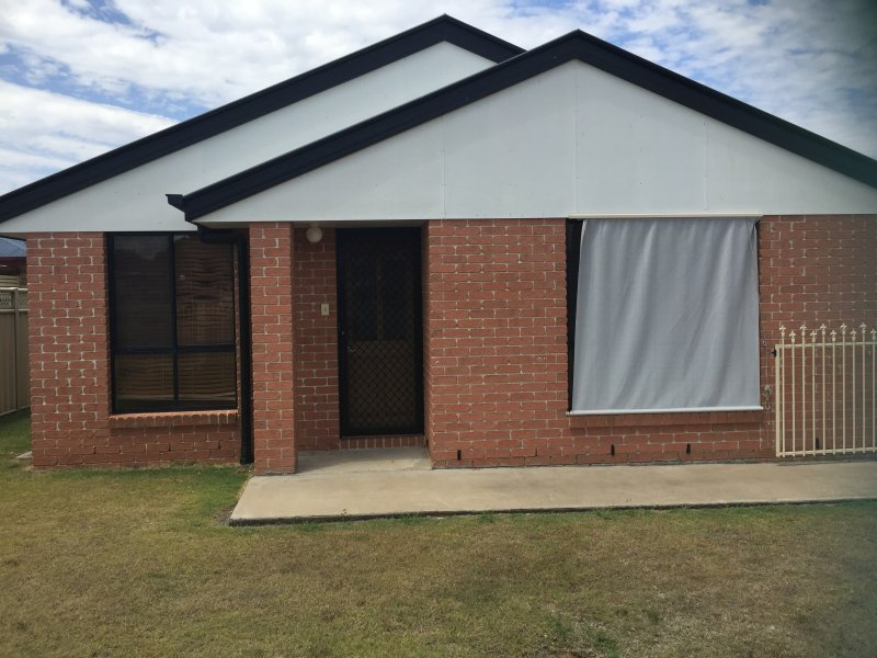 Unit 1, 3 George Street, Helidon, Qld 4344