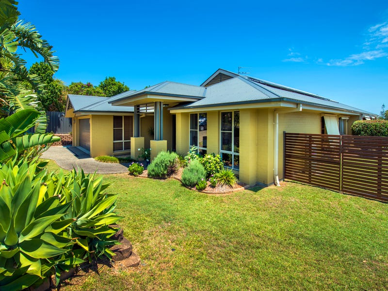 27 Burns Crescent, Corindi Beach, NSW 2456