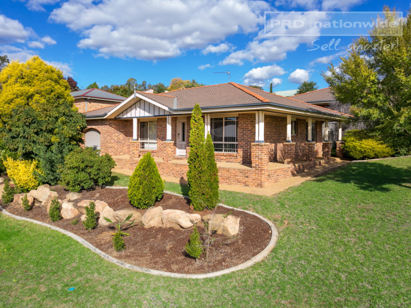 1/17 Kincora Place, Bourkelands, NSW 2650