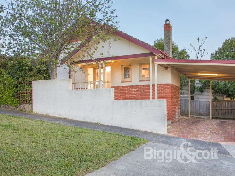 707 Neill Street, Soldiers Hill, Vic 3350